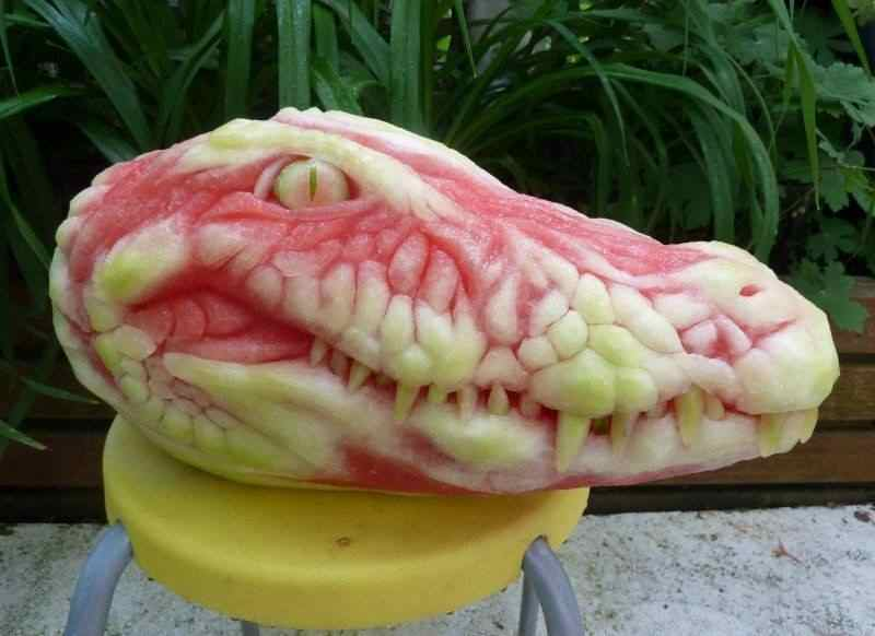 watermelon carving, alligator