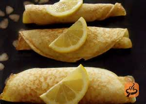 Basic pancakes with sugar and lemon